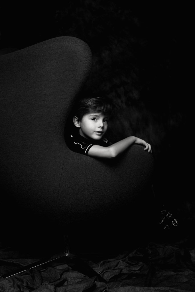 studyjny portret chłopięcy